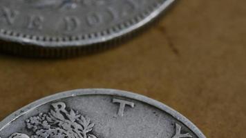 rotação de imagens de estoque de moedas americanas antigas - dinheiro 0086