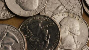 girato stock footage rotante di quarti americani (moneta - $ 0,25) - denaro 0240