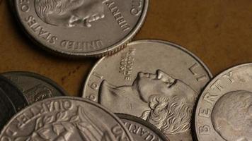 girato stock footage rotante di quarti americani (moneta - $ 0,25) - denaro 0234