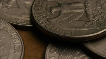 girato stock footage rotante di quarti americani (moneta - $ 0,25) - denaro 0218
