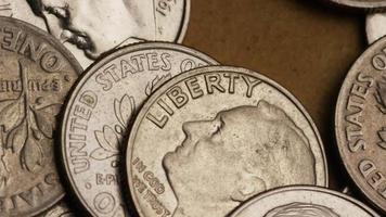Tournage de séquences d'archives de dix cents américains (pièce de monnaie - 0,10 $) - argent 0204
