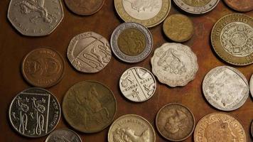 rotação de imagens de estoque de moedas internacionais - dinheiro 0383