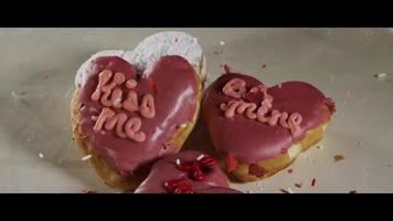 ciambelle di san valentino a forma di cuore - ciambelle 011