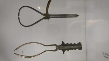 anciens outils de sage-femme