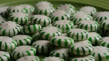 tiro giratorio de caramelos duros de menta verde - candy spearmint 054 video