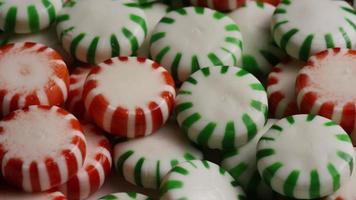 Tiro giratorio de caramelos duros de menta verde - Candy spearmint 082 video