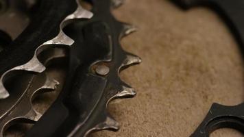 tir cinématique et rotatif d'engrenages - engrenages 004