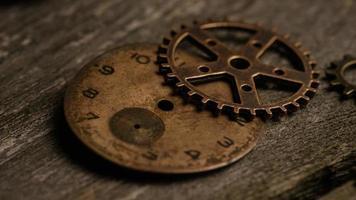 Imágenes de archivo giratorias tomadas de caras de relojes antiguas y desgastadas: caras de relojes 066