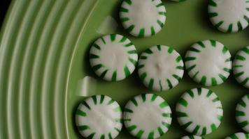 Tiro giratorio de caramelos duros de menta verde - candy spearmint 023