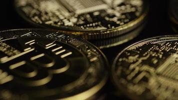 roterende opname van bitcoins (digitale cryptocurrency) - bitcoin 0528