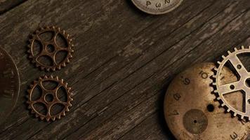 Imágenes de archivo giratorias tomadas de caras de relojes antiguas y desgastadas: caras de relojes 057