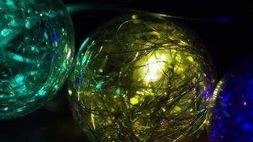 Plano cinematográfico y giratorio de luces navideñas ornamentales - navidad 035