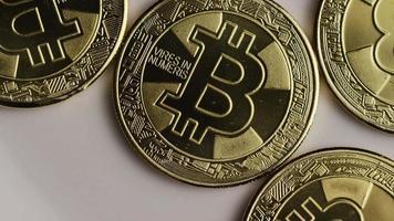 rotierende Aufnahme von Bitcoins (digitale Kryptowährung) - Bitcoin 0249