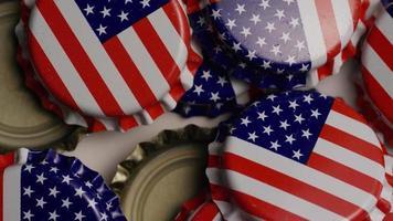 foto rotativa de tampas de garrafa com a bandeira americana impressa nelas - tampas de garrafa 027