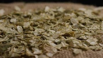 dose rotativa de cevada e outros ingredientes de fabricação de cerveja - fabricação de cerveja 304