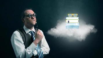 nerd ou geek engraçado olhando para a nuvem voadora com ícone de estudo educacional rotativo video