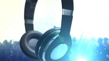 cuffie rotanti con sfondo blu concerto video