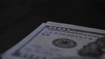 compter les billets d'un dollar