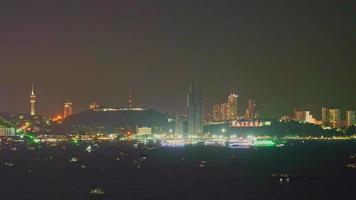 città di pattaya thailandia di notte