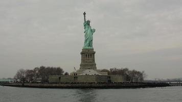 statue de la liberté et du mouvement
