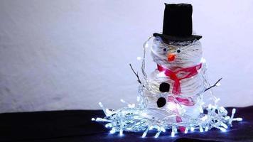 boneco de neve artesanal com luzes video