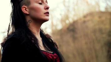 close up rosto linda mulher viking