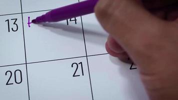 calendario del mes de febrero con feliz día de san valentín