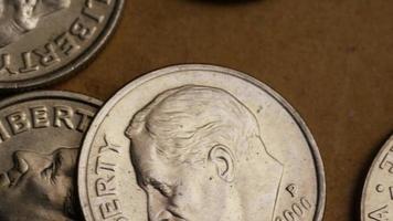 Tourné de séquences d'archives de dix cents américains (pièce de monnaie - 0,10 $) - argent 0206