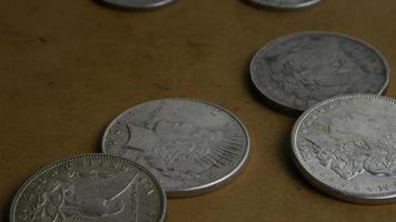 rotação de imagens de estoque de moedas americanas antigas - dinheiro 0053