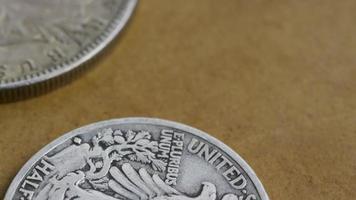 rotação de imagens de estoque de moedas americanas antigas - dinheiro 0075