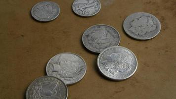 rotação de imagens de estoque de moedas americanas antigas - dinheiro 0054
