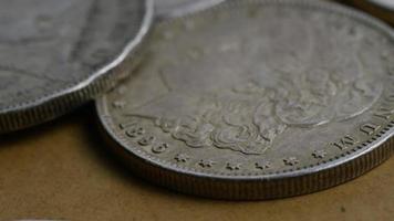 rotação de imagens de estoque de moedas americanas antigas - dinheiro 0089