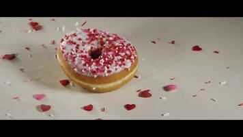 ciambelle di San Valentino con granelli che cadono - ciambelle 015