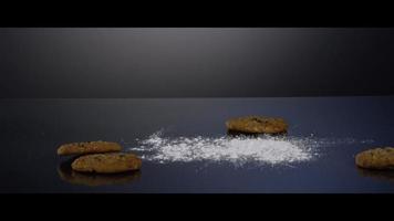 galletas que caen desde arriba sobre una superficie reflectante - galletas 188