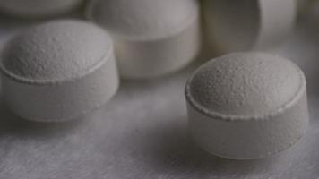 rotação de imagens de arquivo de vitaminas e pílulas - vitaminas 0155 video