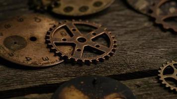rotação de imagens de arquivo de mostradores de relógio antigos e resistidos - mostradores de relógio 091 video