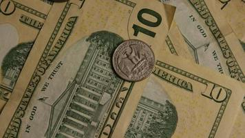 Disparo giratorio de dinero americano (moneda) - dinero 521