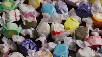 colpo rotante di taffies di acqua salata - candy taffy 013