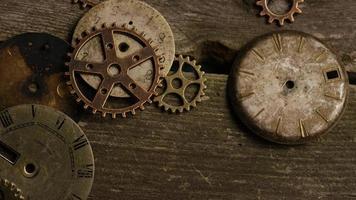 Imágenes de archivo giratorias tomadas de caras de relojes antiguas y desgastadas - caras de relojes 098