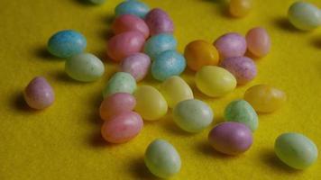 colpo rotante di gelatine di Pasqua colorate - Pasqua 074