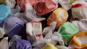colpo rotante di taffies di acqua salata - candy taffy 014