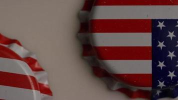 shot rotativo de tampas de garrafa com a bandeira americana impressa nelas - tampas de garrafa 006