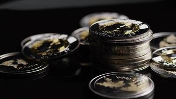 Tir rotatif de bitcoins (crypto-monnaie numérique) - ondulation bitcoin 0210 video