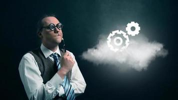 gracioso nerd o geek mirando a una nube voladora con un icono de engranaje giratorio