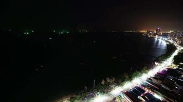 cidade de Pattaya à noite na Tailândia video
