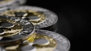 rotierende Aufnahme von Bitcoins (digitale Kryptowährung) - Bitcoin-Welligkeit 0122