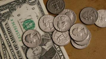 Disparo giratorio de dinero americano (moneda) - dinero 536