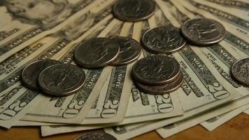 Disparo giratorio de dinero americano (moneda) - dinero 584
