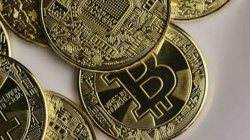 rotierende Aufnahme von Bitcoins (digitale Kryptowährung) - Bitcoin 0382