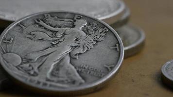 Imágenes de archivo giratorias tomadas de monedas americanas antiguas - dinero 0113